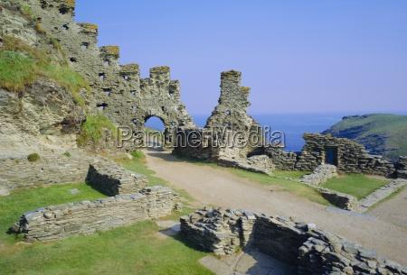 tintagel castle associated with king arthur