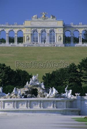 gloriette and neptune fountain schonbrunn gardens