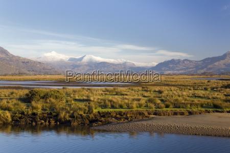 afon glaslyn river and glaslyn marshes
