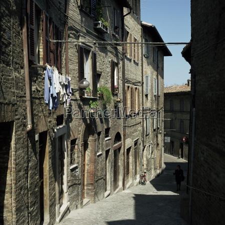 street scene urbino marche marches italy