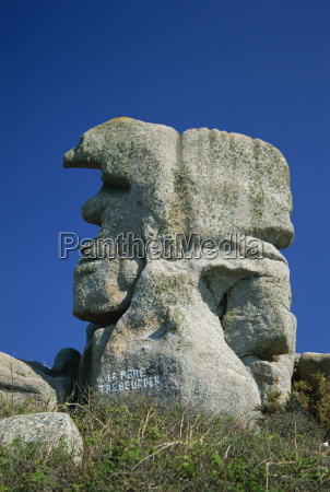 faces in the rocks le pere
