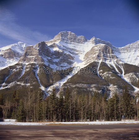 snow capped mountains rockies near banff