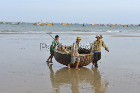 basket tug boat phan thiet vietnam