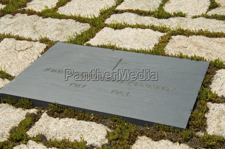 tomb of john f kennedy at