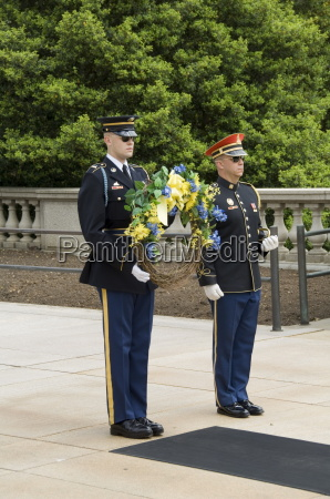 wreath laying ceremony at the tomb