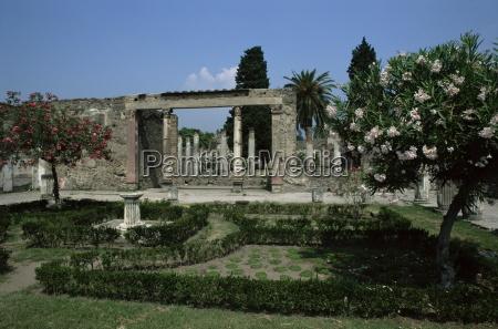gardens of casa di fauna pompeii