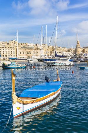 vittoriosa waterfront marina and water taxi