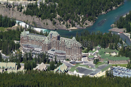 banff springs hotel and bow river