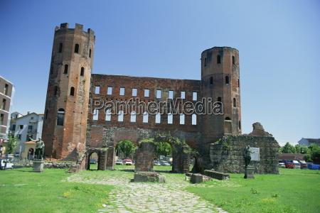 porta palatina roman towers and archways