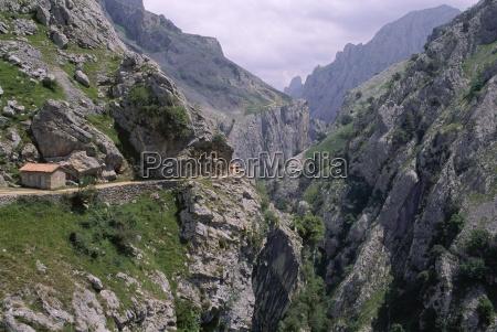 the cares gorge 1000m deep 12km