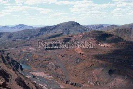 tom price iron ore mines western