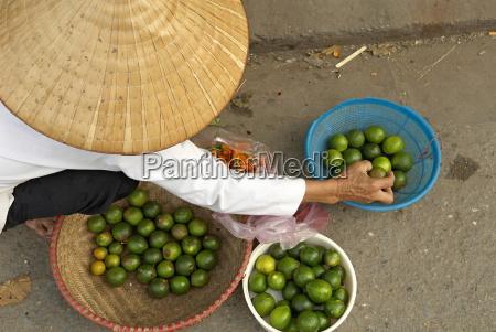 lemon seller market in the old