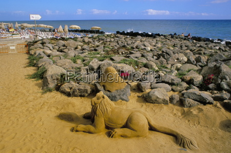 sand sculpture and seafront maspalomas gran