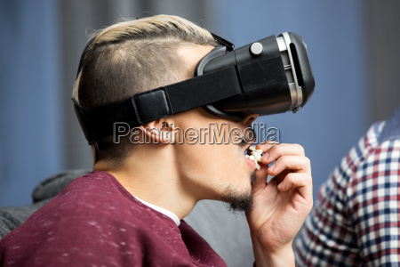 man in wirtual reality glasses