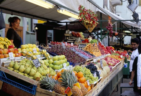 fruit stall market via goethe plaza
