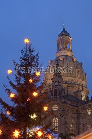 christmas tree and frauen church at