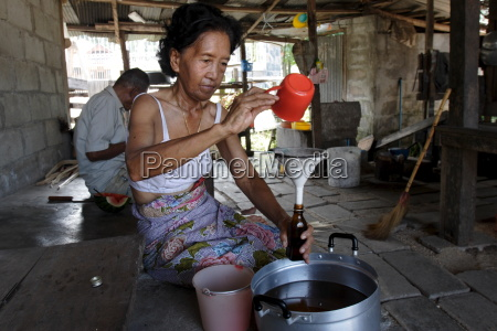 bottling coconut oil to sell koh