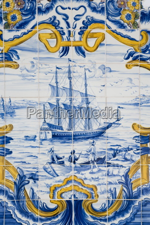 detail of portugese tile work around