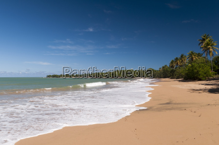 cluny beach deshaies basse terre guadeloupe