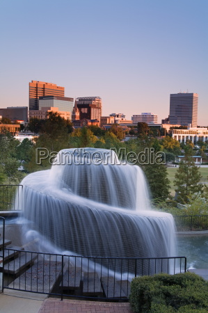 finlay park fountain columbia south carolina