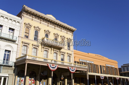 historic buildings on 2nd street in