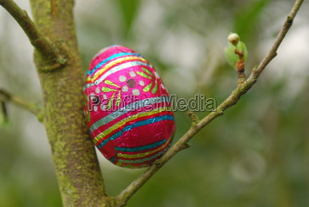 easter egg search paris france europe