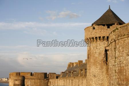 saint malo city wall st malo