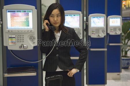 telefono persone popolare uomo umano viaggio