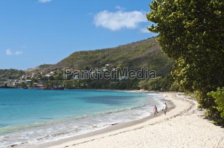 friendship bay beach bequia st vincent