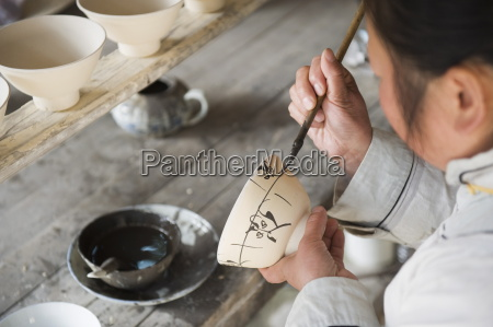 qing and ming ancient pottery factory