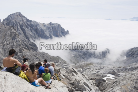 hikers taking a break on tesorero