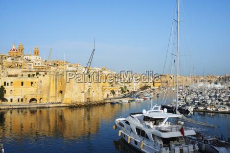 senglea l isla grand harbour marina
