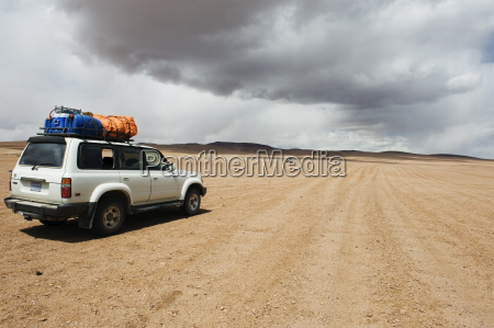 four wheel drive desert tour in