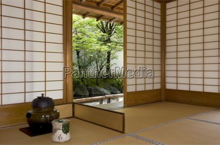 tea ceremony utensils at the yokokan
