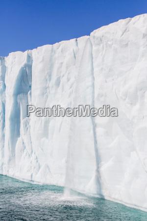 austfonna ice cap nordaustlandet svalbard norway