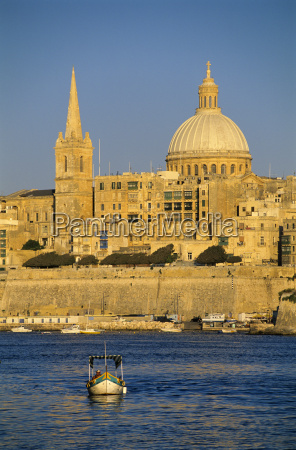 view at sunset to valletta with