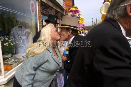 tutti man giving the traditional kiss