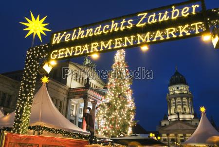 christmas market outside the opera house