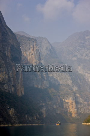 qutang gorge part of the three
