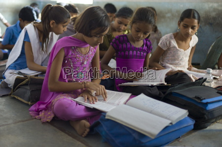 indian children learning english at rajyakaiya