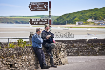 locals chatting in the gaelic language