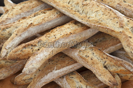 freshly baked multigrain 5 cereals french