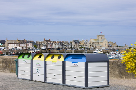 large plastic recycling bins dechetterie for
