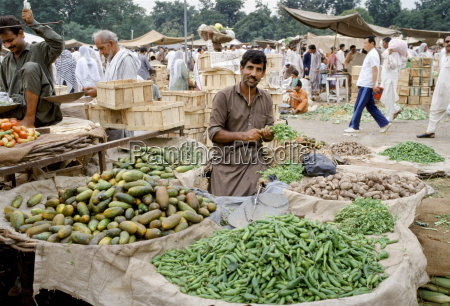 fruit and vegetable food market in