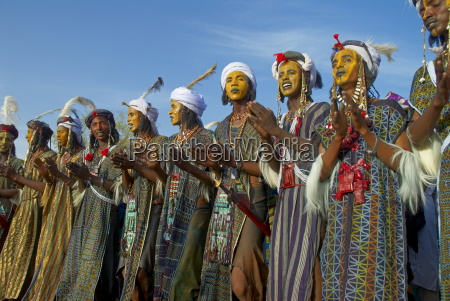 group of wodaabe bororo men with
