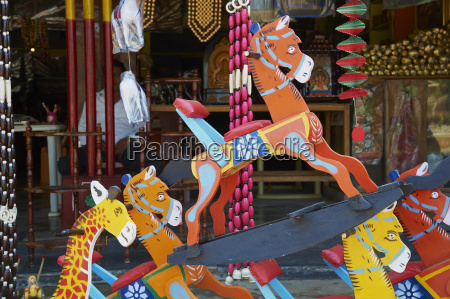 channapatna village famous for wooden toys