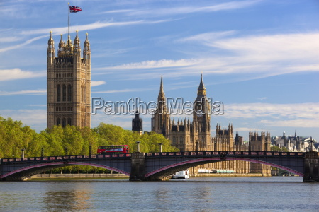 houses of parliament and lambeth bridge