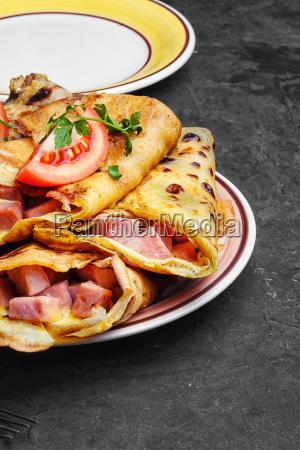 pancakes with meat to pancake week