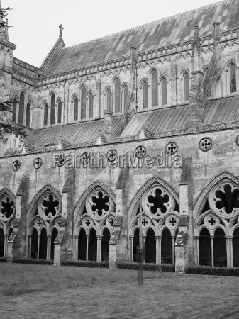 salisbury cathedral in salisbury in black
