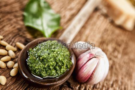 pesto from wild garlic garlic pinnienkernen
